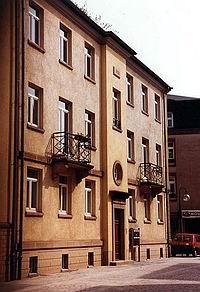 socialhousingesch200.jpg